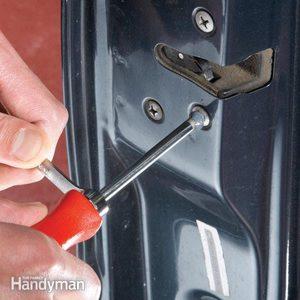 Screws: How to Loosen a Stuck Phillips Screw
