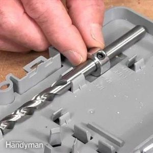 How to Use a Pocket Screw Jig in Woodworking Projects