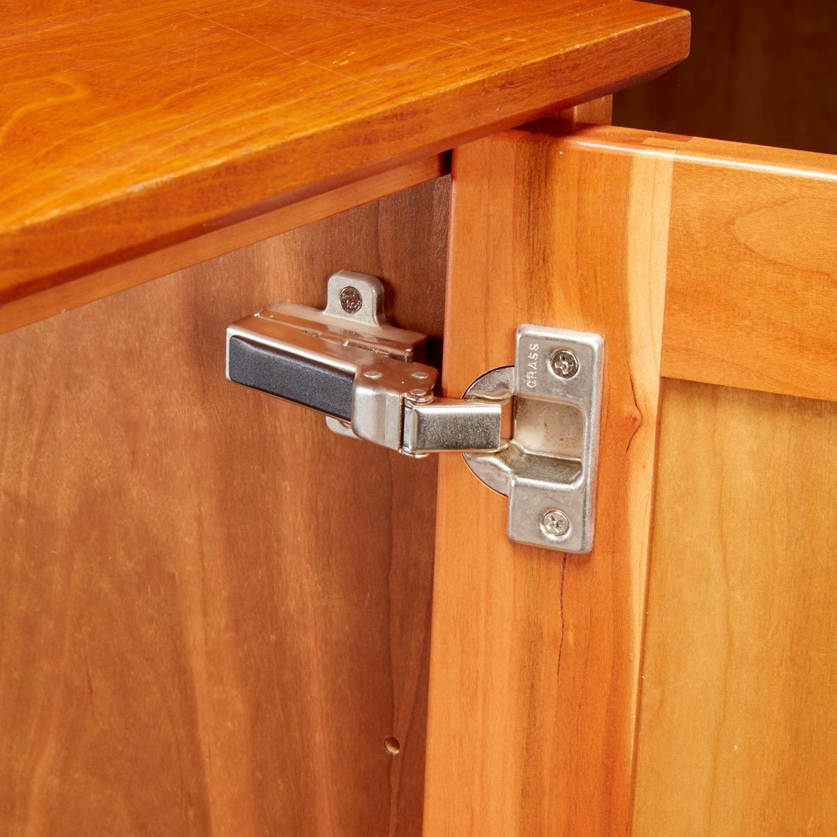 3 Reasons to Love Euro Hinges