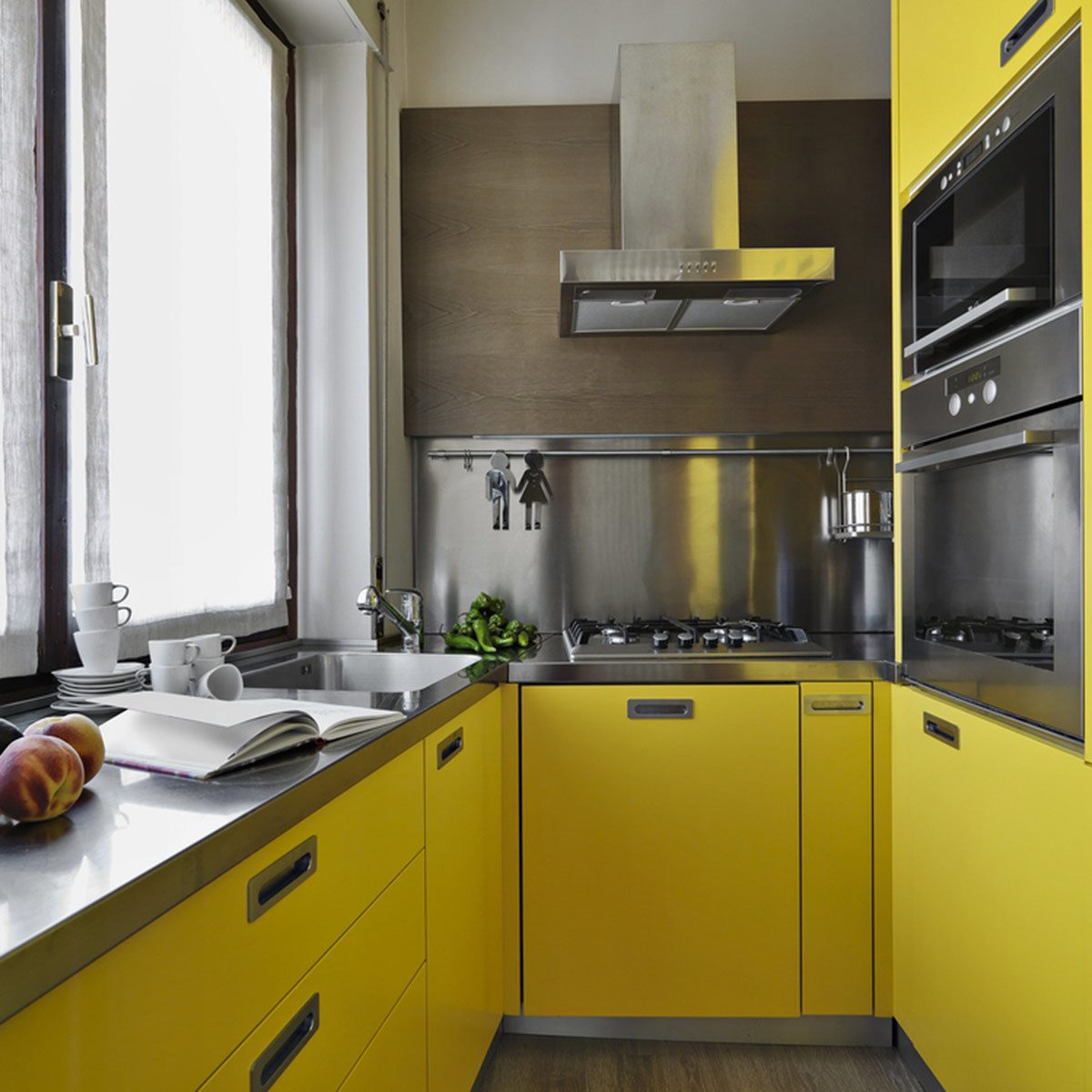 Popular Kitchen Cabinet Colors: Sunny Yellow