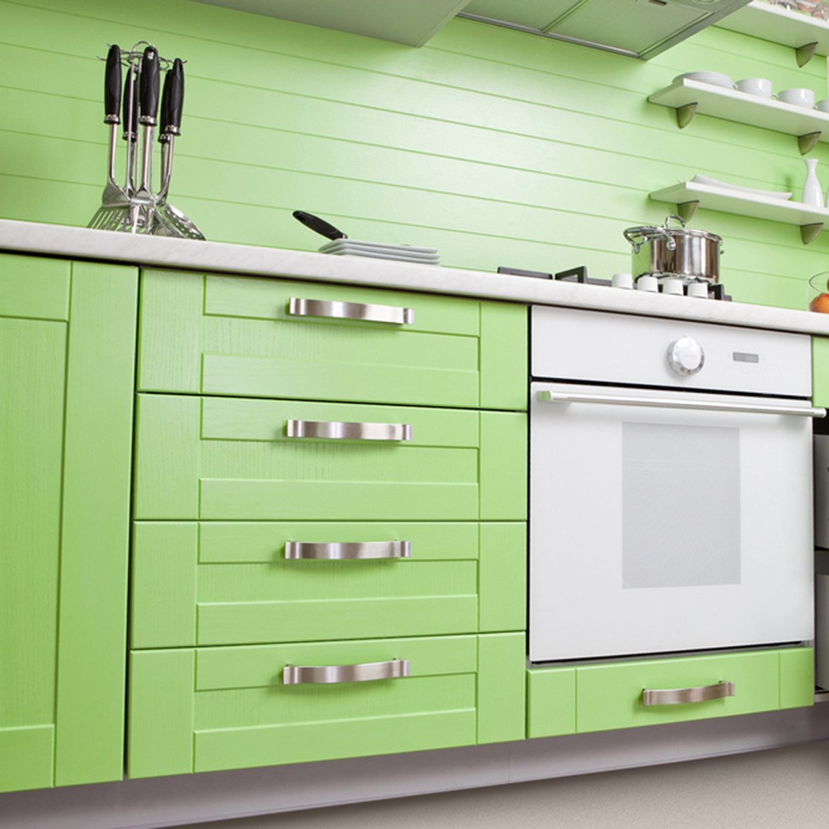 Popular Kitchen Cabinet Colors: Farmhouse Green
