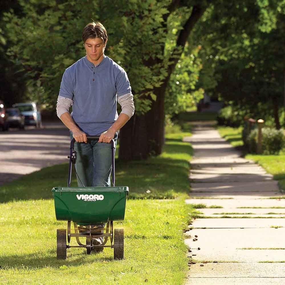 How to grow greener grass magic bullet # 5. Don't skip the fall fertilizing