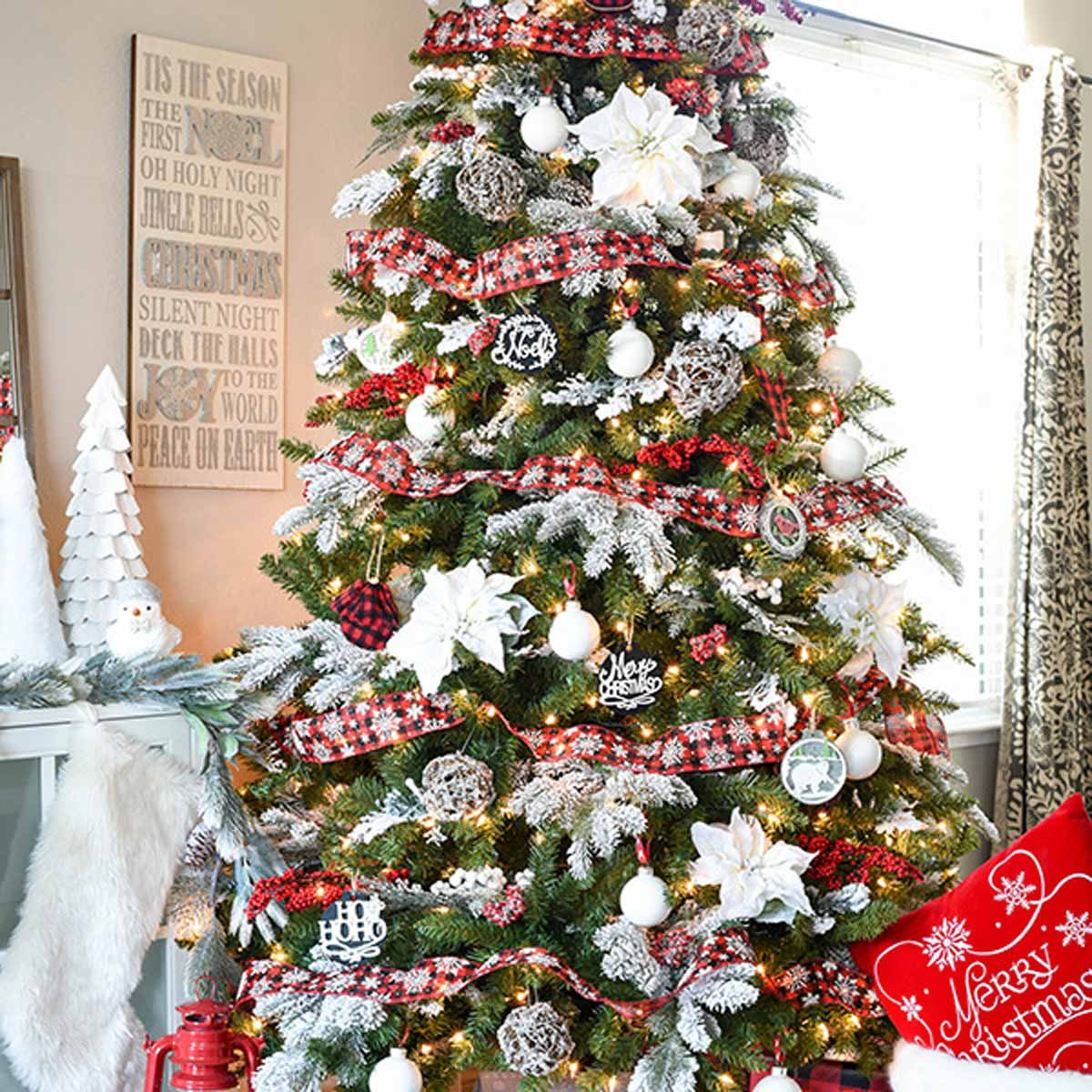 Christmas Tree Design Ideas: Plaid Ribbon
