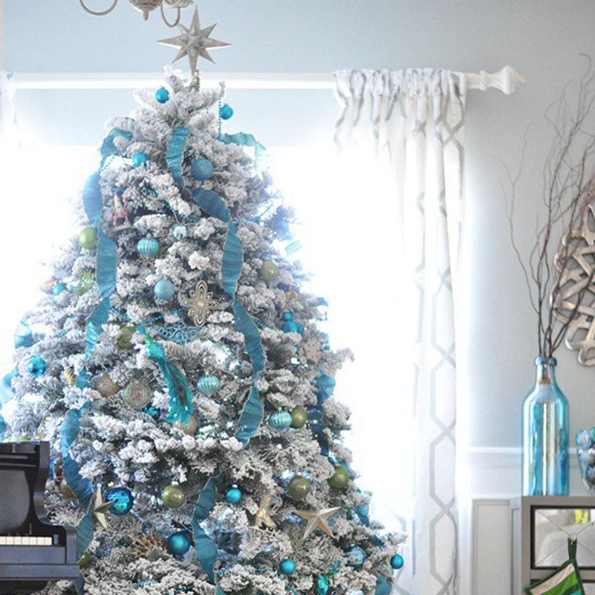 Christmas Tree Design Ideas: Blue and White Christmas
