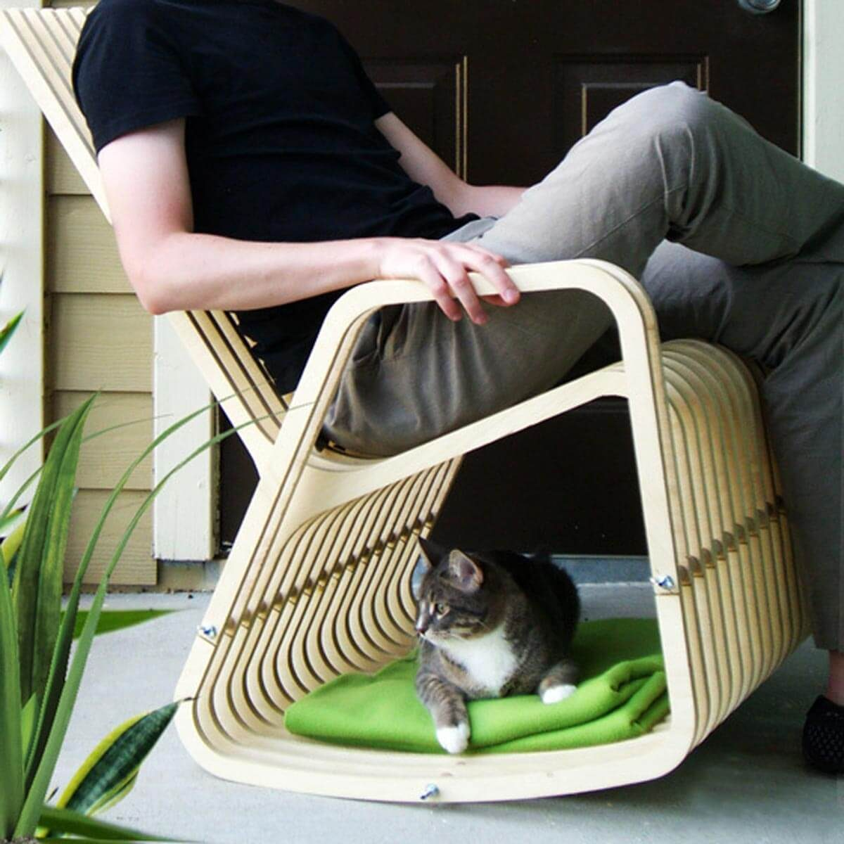 Cat Furniture: A Rocking Chair Base for Your Cat