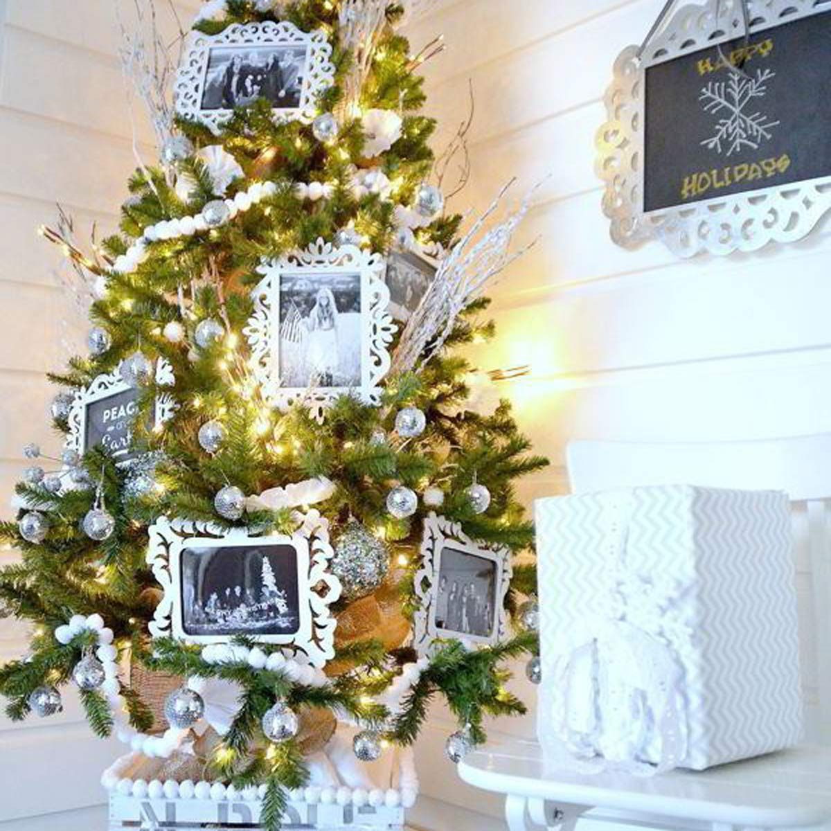 Winter White Family Photo Christmas Tree