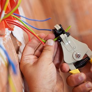 5 Electrical Projects DIYers Should Not Take On