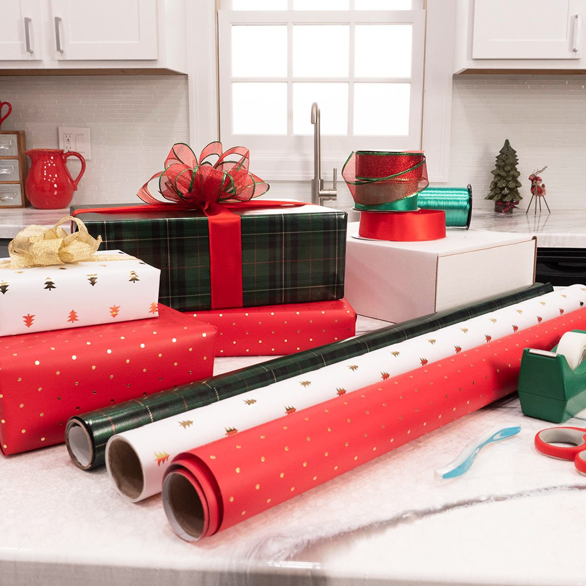 wrapping presents lede