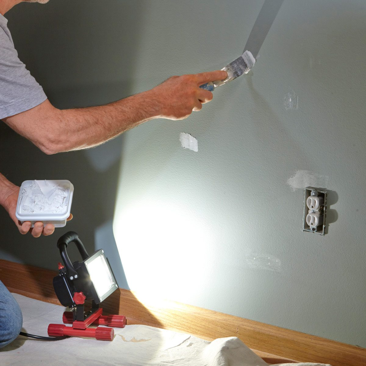 repair drywall holes