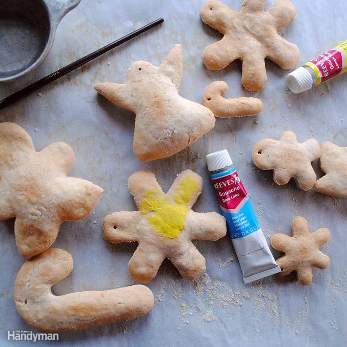 2016_11_DIY_Christmas_Ornaments_dough3