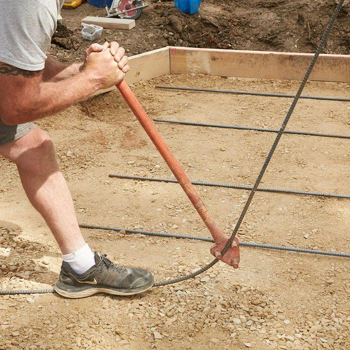 Bending rebar at the corners | Construction Pro Tips