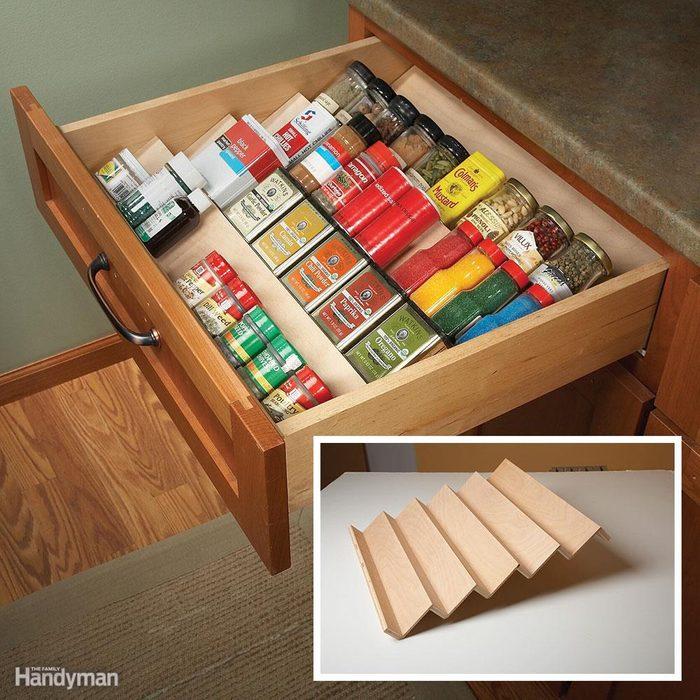 Kitchen Storage: Thyme Saver