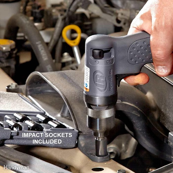 Miniature 1/4-in.-Drive Impact Wrench Fits in Tight Places