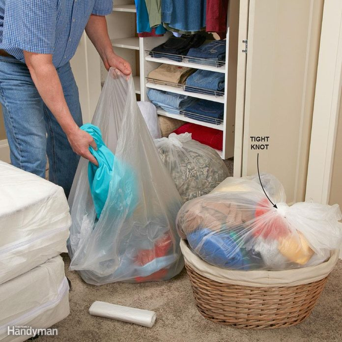 how to get rid of bed bugs on clothes and bedding