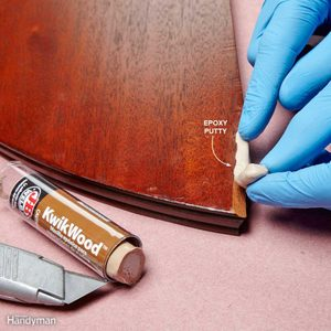 Simulate wood with epoxy and a razor blade