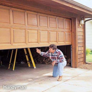 FH01FEB_GDOORT_11-2 garage door maintenance