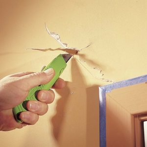 How to Repair a Drywall Crack