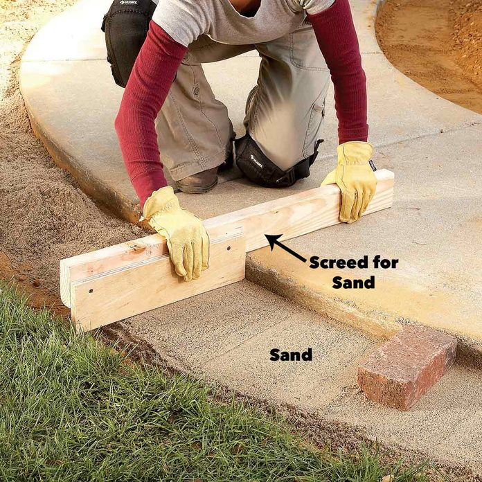 Screed the sand
