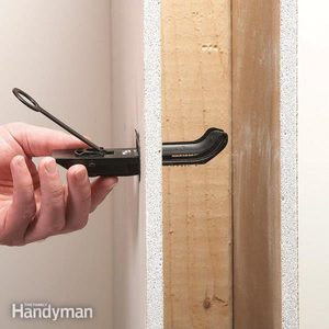 Mount a Flat Screen TV With Wall Anchors