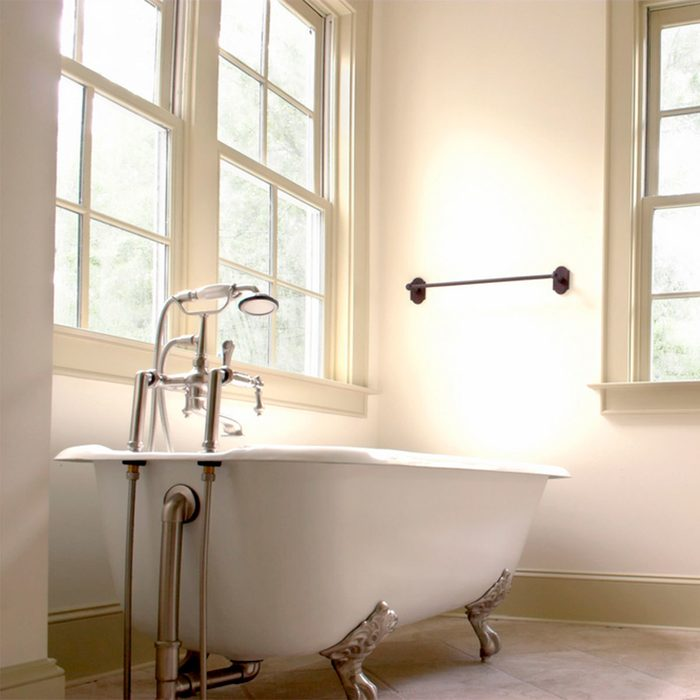 Farmhouse Look: Clawfoot Tub