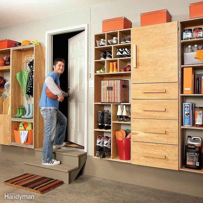 Back entry clutter buster