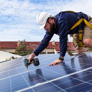 Getting Your Energy Source From the Sun May Save You