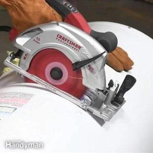 517479525_How_to_Dispose_of_a_Water_Heater-2
