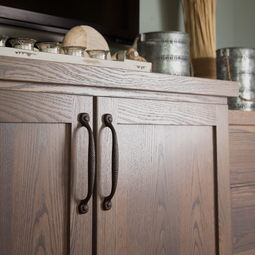 Textured cabinet pulls