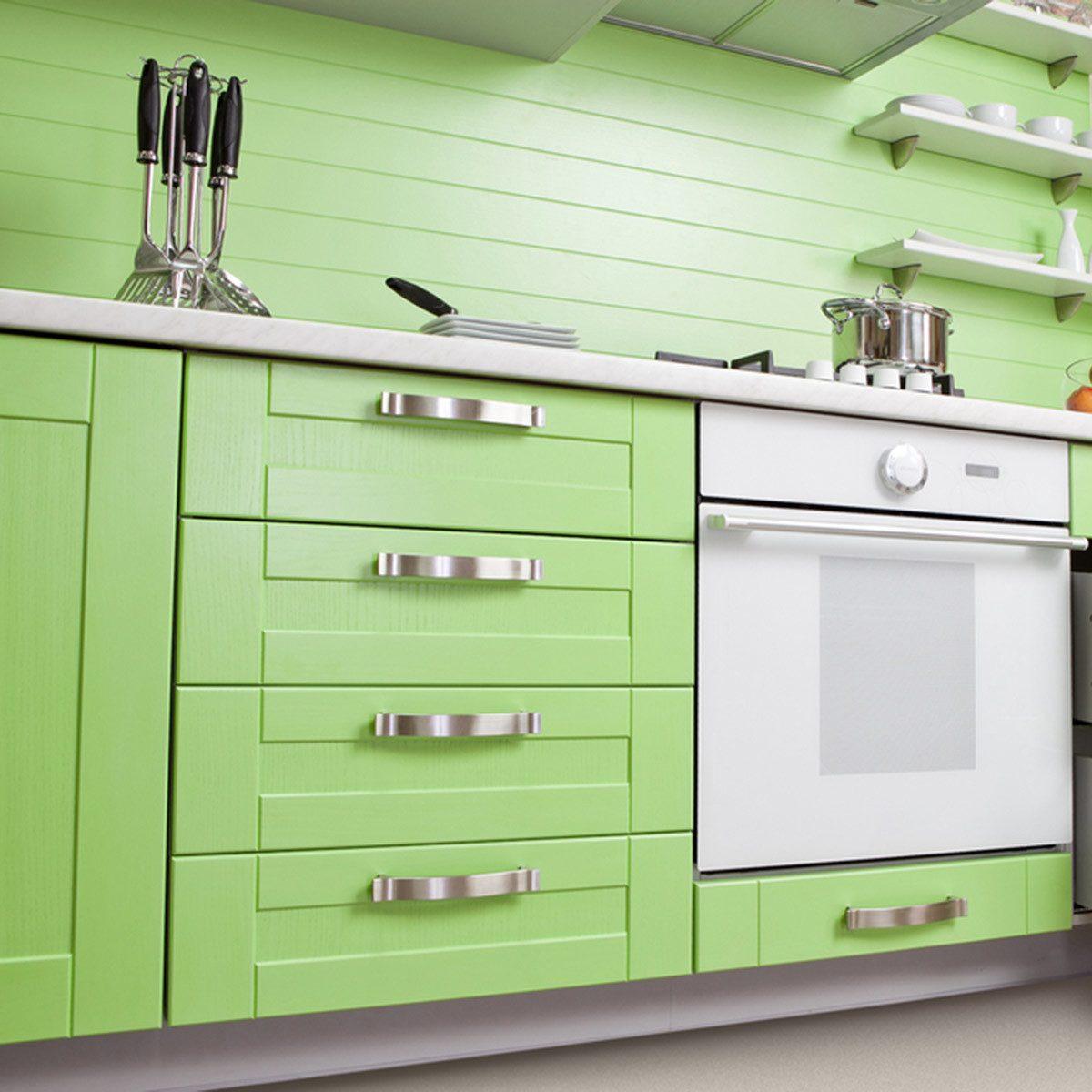 Popular Kitchen Cabinet Colors: Farmhouse Green