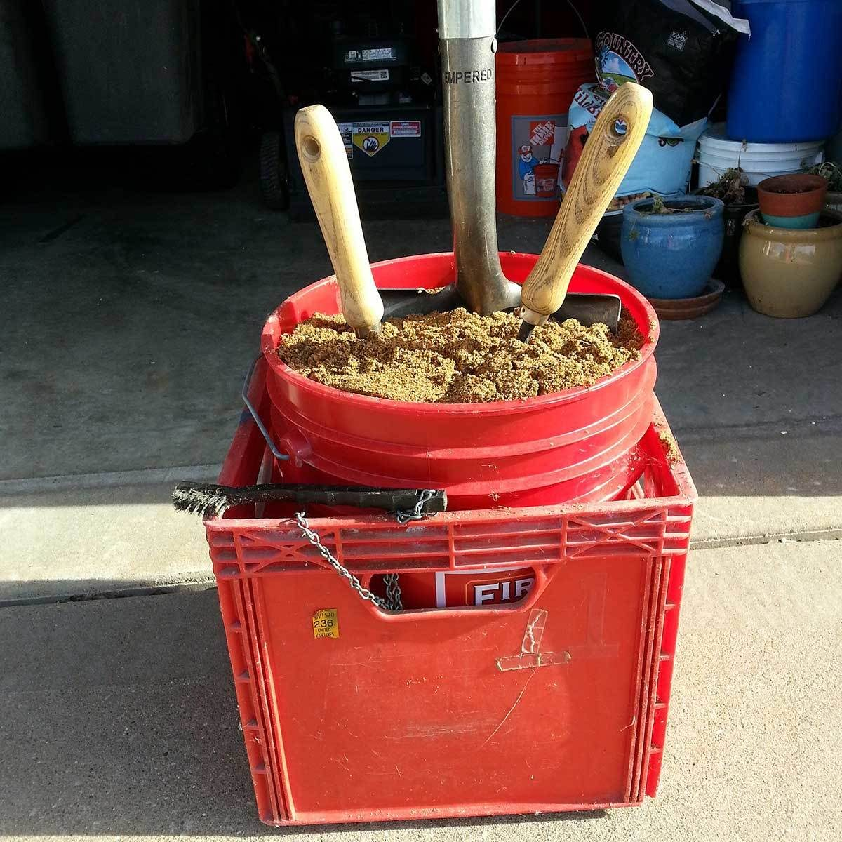 5 gallon bucket No more rusty garden tools