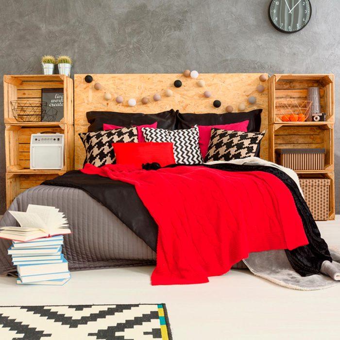 DIY headboard: Dorm Style
