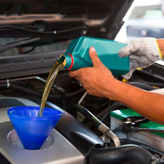 change the oil car maintenance