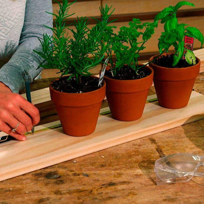 measure pots and base