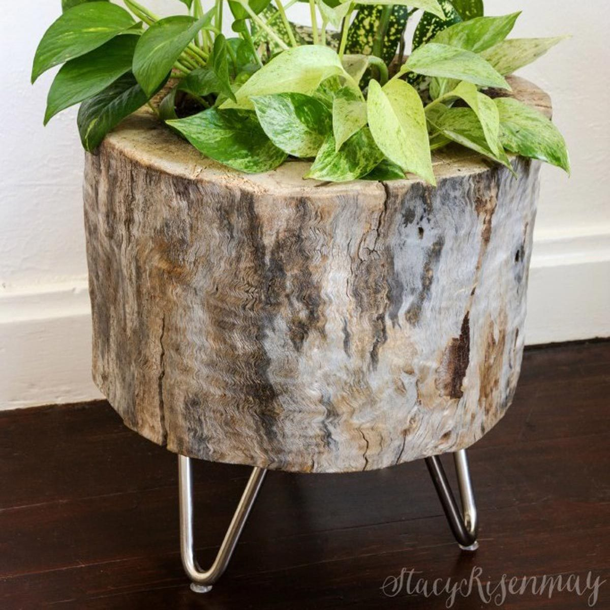 planter with hairpin legs