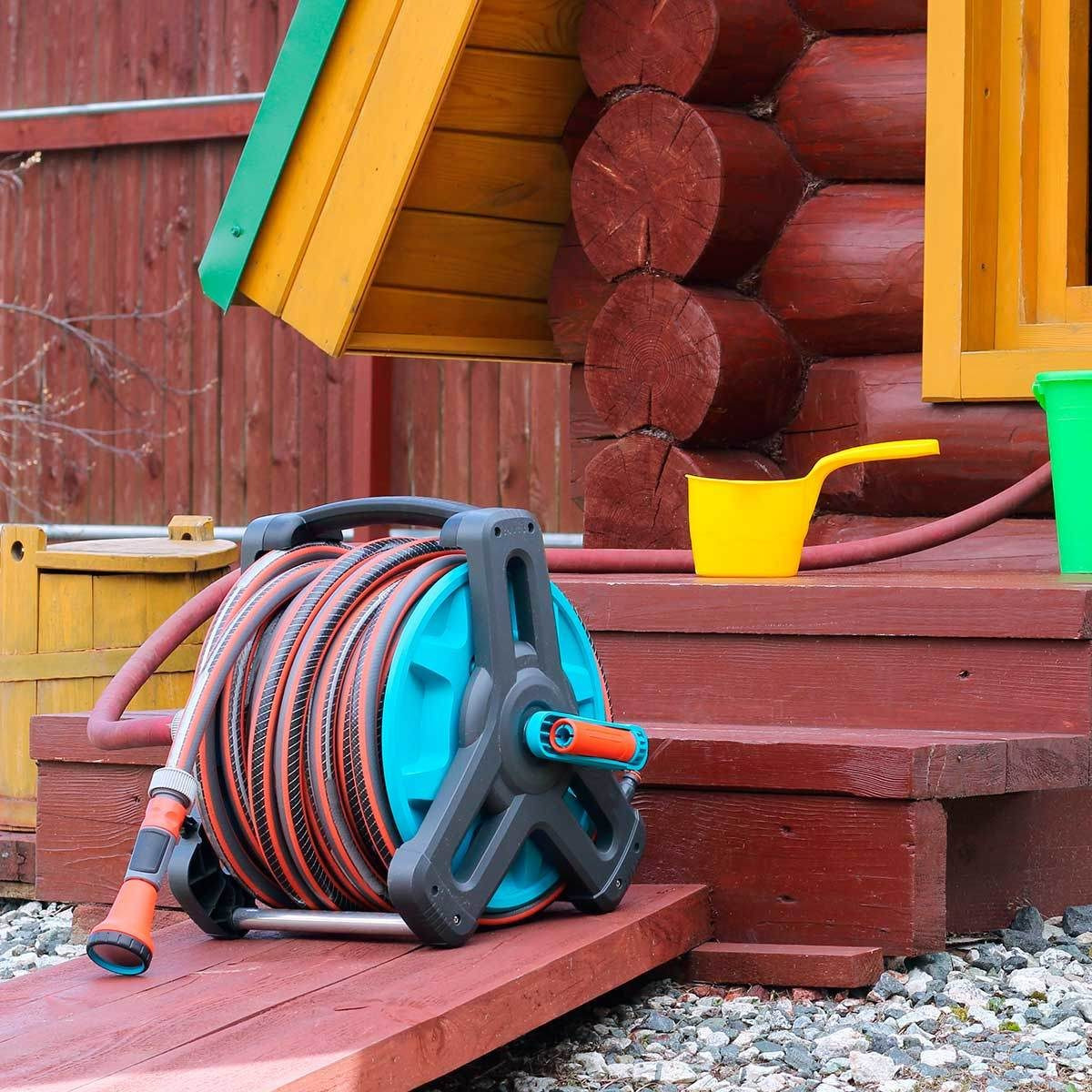 Disconnect garden hoses
