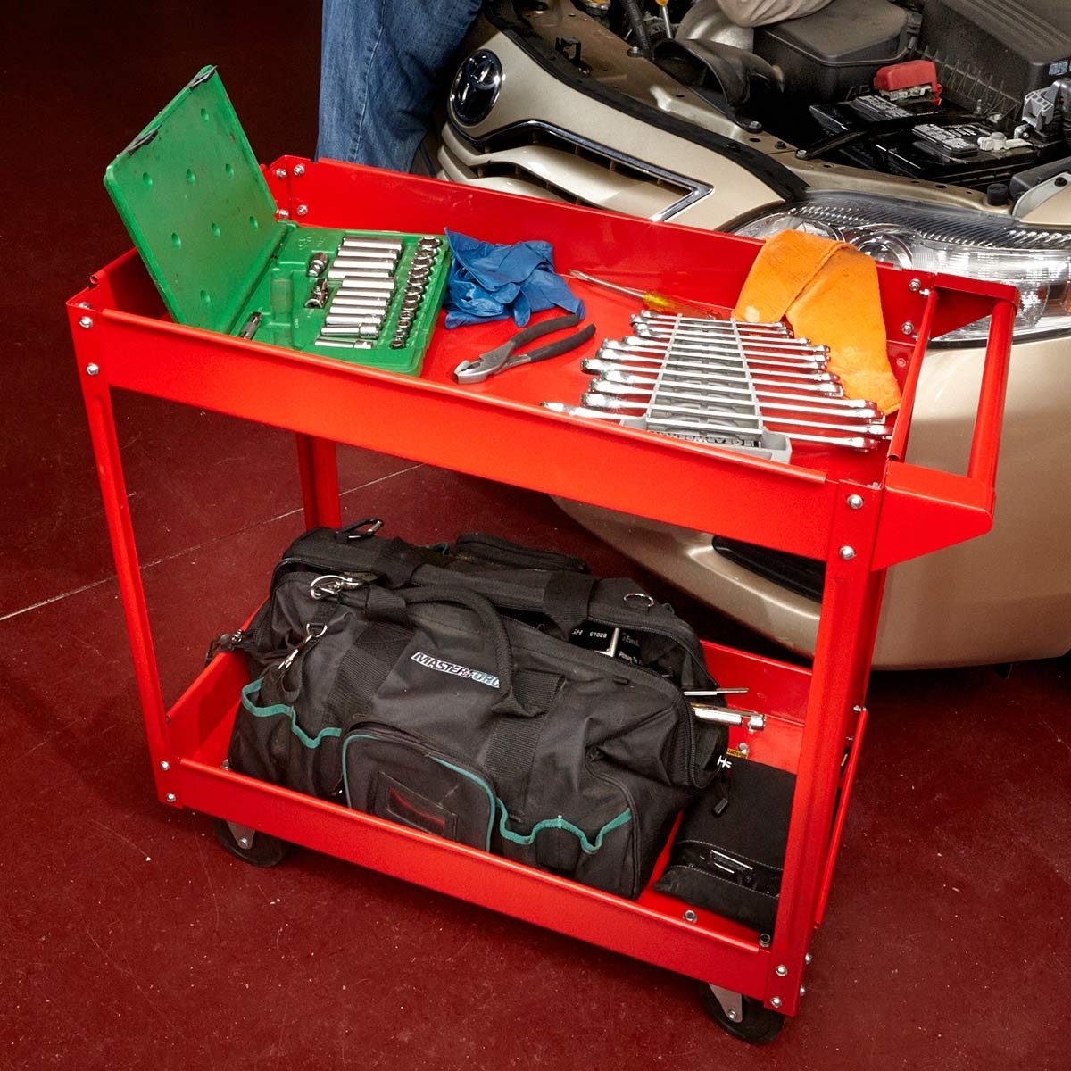 Rolling tool cart