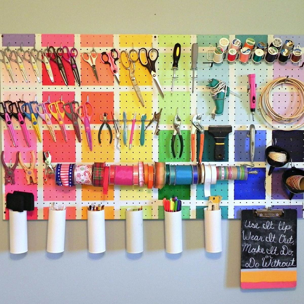 aadfh17aug019aa_05 Craft Peg Board