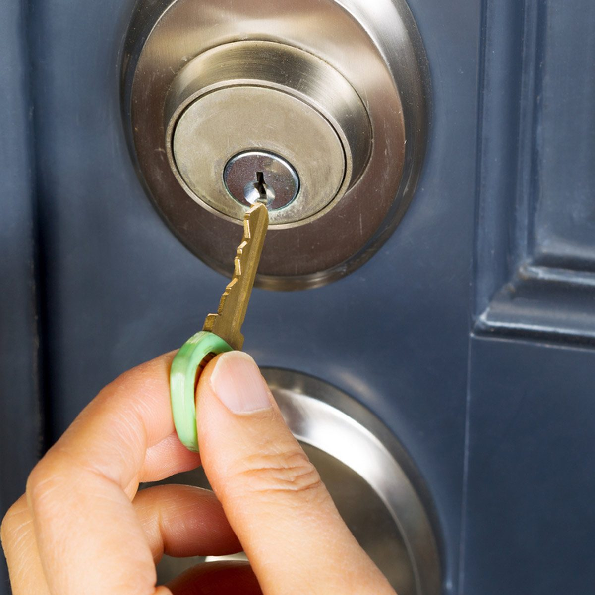 dfh17sep013_161895581 change locks key unlocking exterior door lock