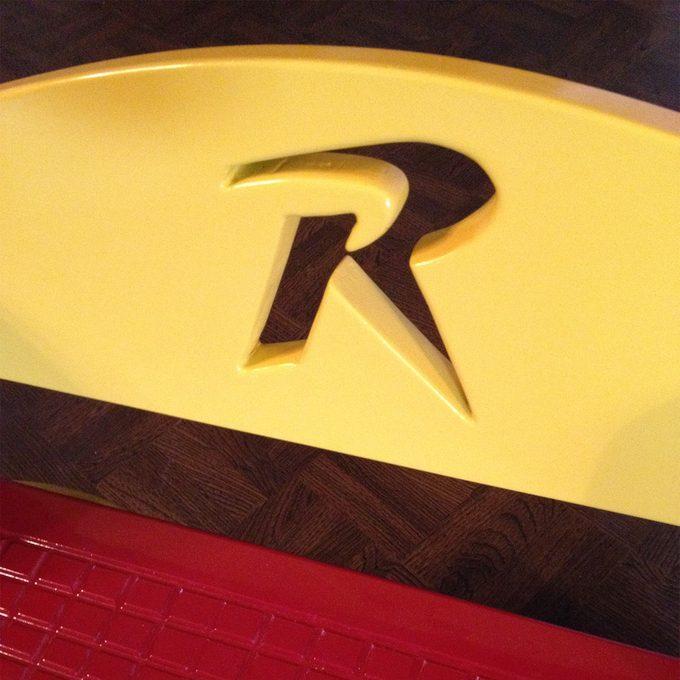 reader flip flop step stool R detail
