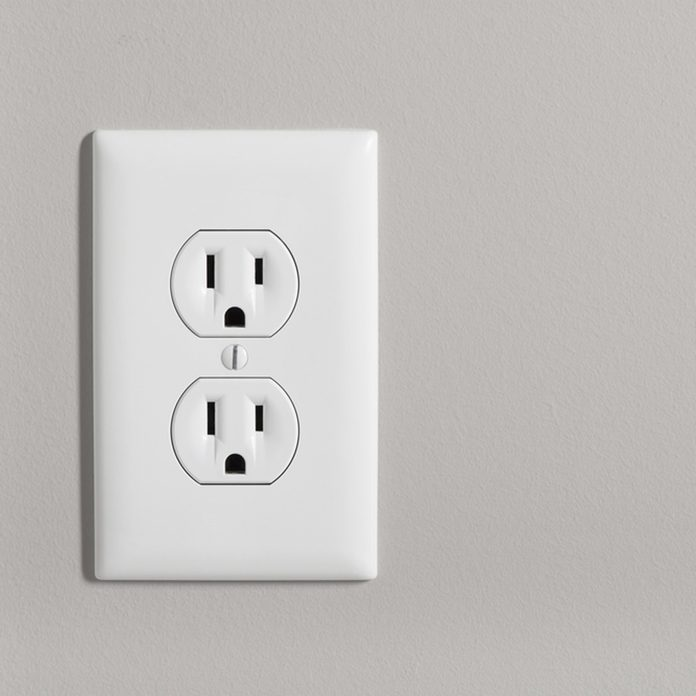 shutterstock_430207006 wall outlet
