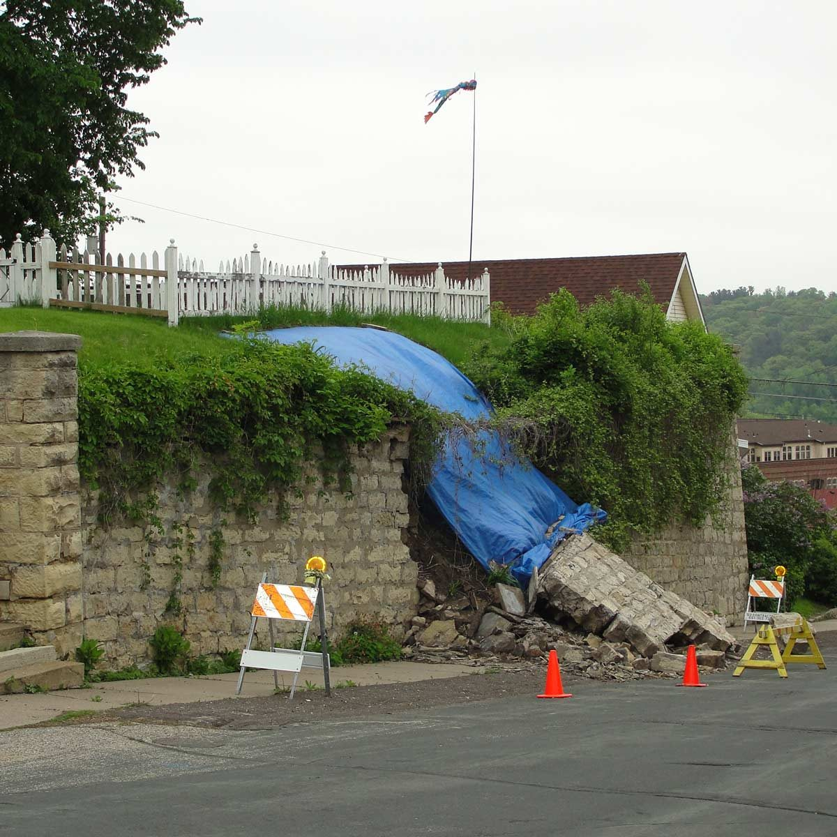 Collapsed-retaining-wall