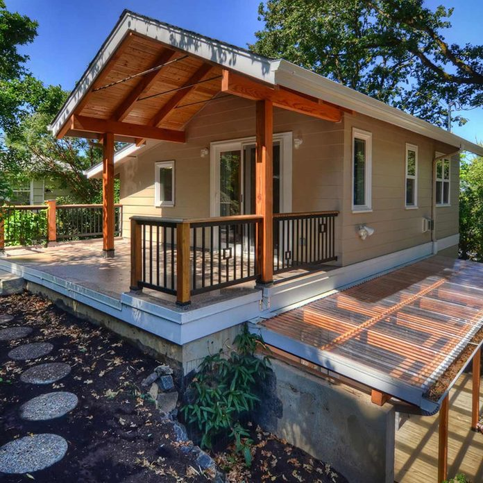 Two-story cottage/mother in law suite