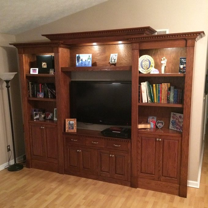 reader classic bookcase front view