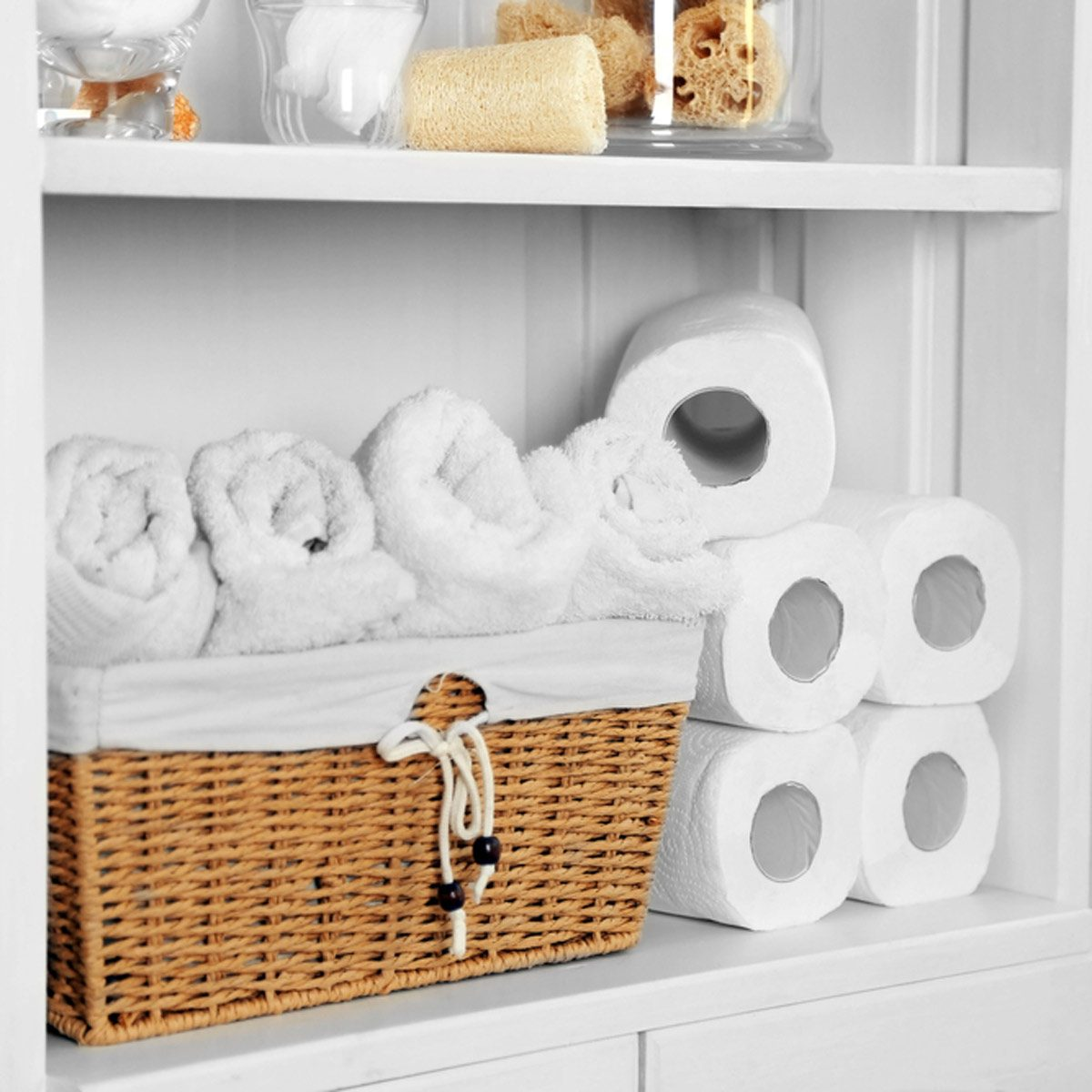 stock-bathroom_409075276 toilet paper bathroom organization towels wash clothes