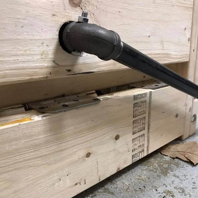 lever for workbench casters