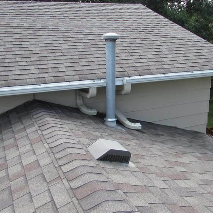 Dual exhaust downspouts