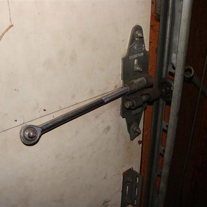 Socket wrench hinge pin