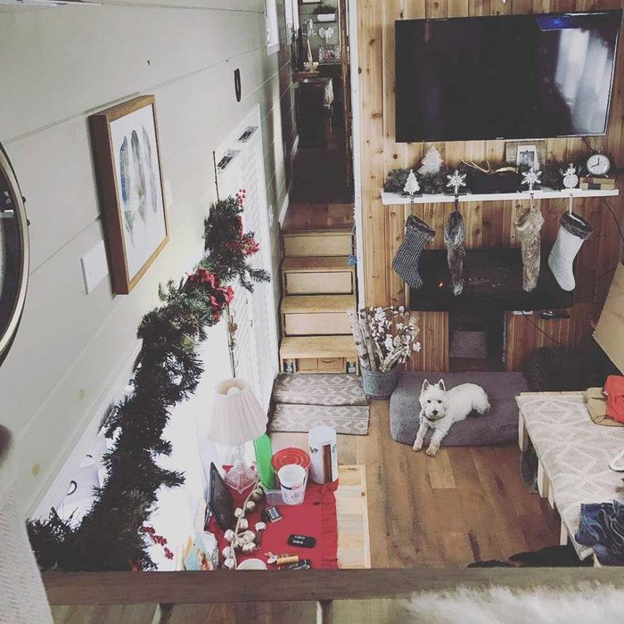 Picturesque Christmas with Garland