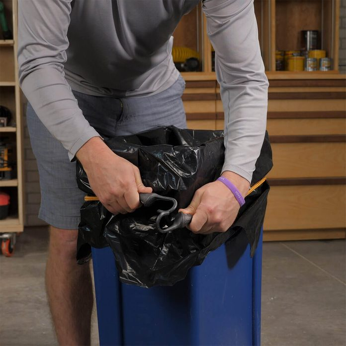 bungee cord to hold trash can liner