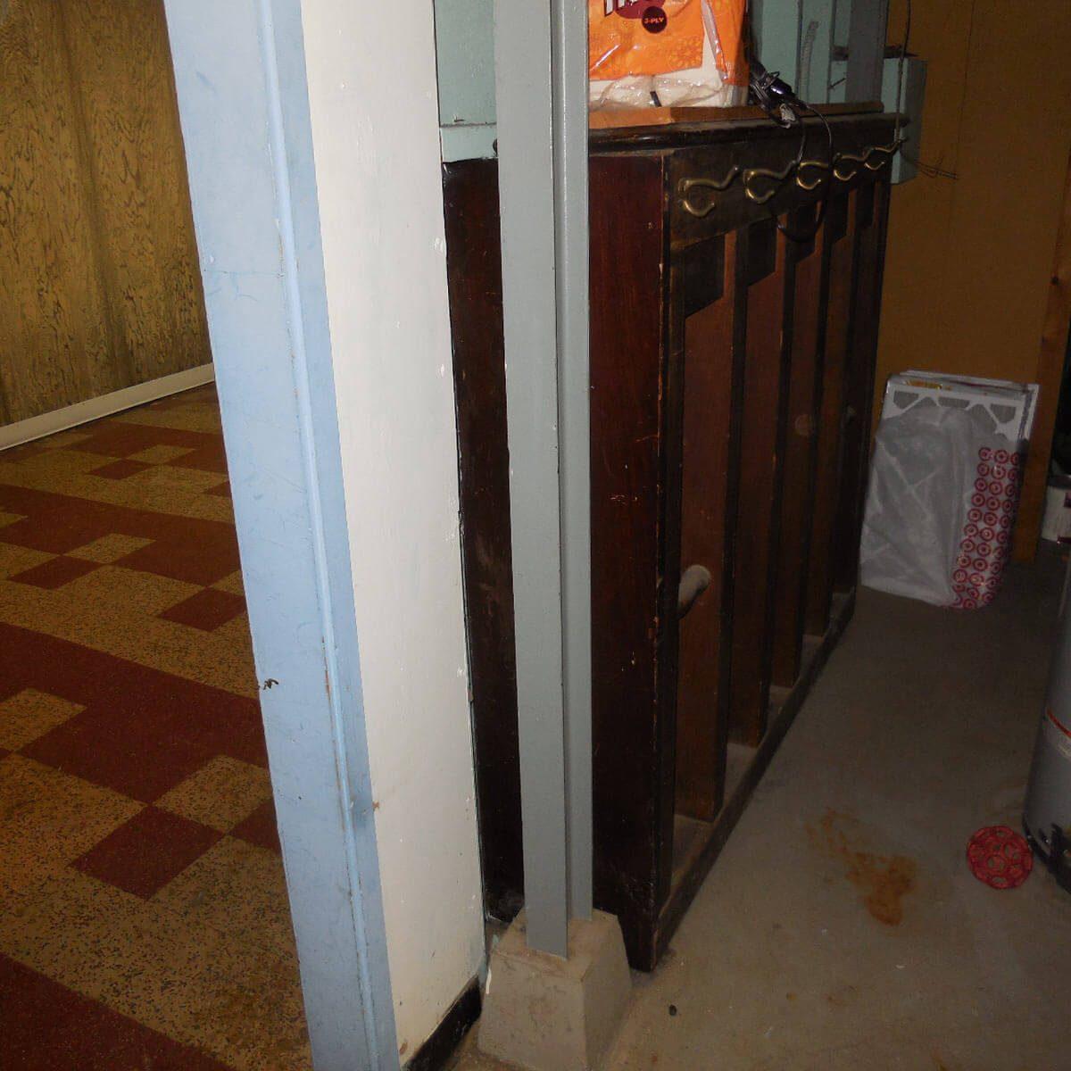 400-lb coat rack